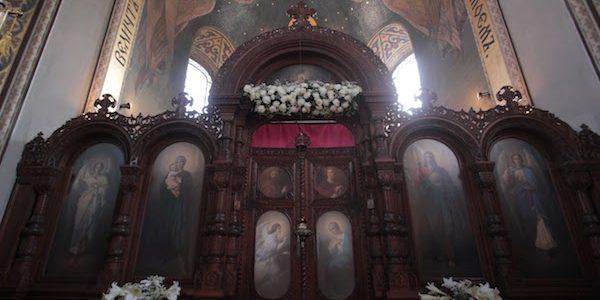 Реставрация полотен иконостаса