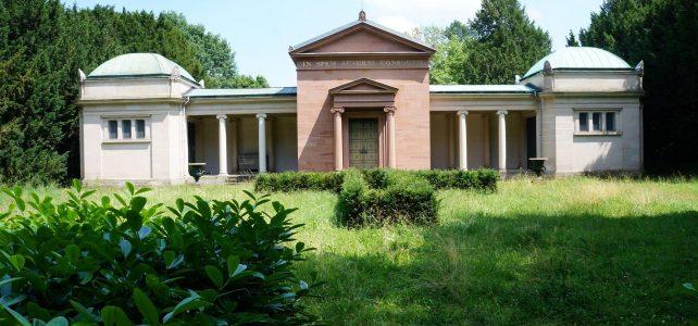Die Führung in den Park Rosenhöhe zu den beiden Mausoleen fand statt